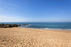 Strand Oceaankustlijn Royalty-vrije Stock Foto's