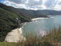 Strand och berg Royaltyfria Bilder