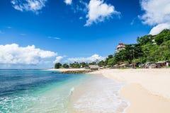 Strand- och blåtthav i Bali Royaltyfri Foto