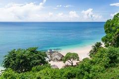 Strand- och blåtthav i Bali Royaltyfri Bild