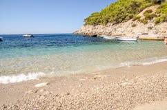 Strand och hav i Kroatien royaltyfri bild