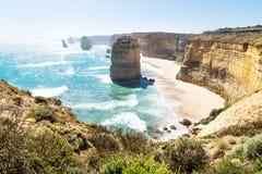 Strand och klippor på tolv Apostels på den stora havvägen, Victoria, Australien Arkivfoton