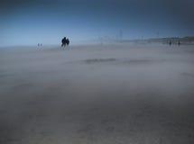 Strand in onweer Stock Afbeelding