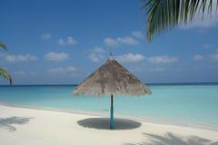 Strand op een Maledivisch Eiland stock fotografie