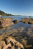 Strand, overzeese en van het rotsenlandschap foto stock afbeeldingen