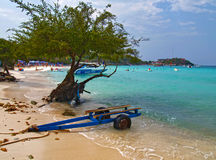 Strand på ön av Koh Lan Royaltyfri Fotografi