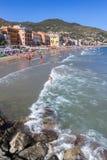 Strand på Alassio i Italien royaltyfria bilder