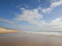 Strand på den atlantiska kusten av Frankrike Fotografering för Bildbyråer