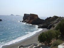 Strand på den Folegandros ön royaltyfri fotografi