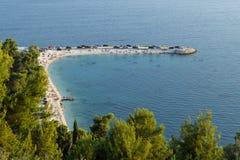 Strand på den Marjan halvön i splittring Royaltyfri Fotografi