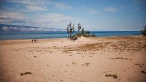 Strand på den Olkhon ön Royaltyfri Bild