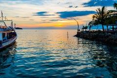 Strand på solnedgången Royaltyfri Foto