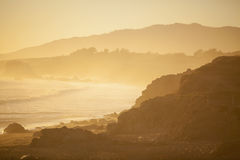 Strand på solnedgången, San Simeon Royaltyfri Fotografi