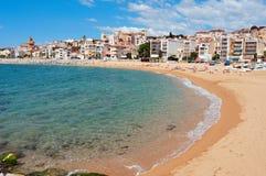 Strand Platja de Les Barques in Sant Pol de Mar, Spanien Stockfotos