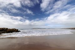 Strand in Plettenberg-Bucht, Garten-Weg, Südafrika lizenzfreies stockbild