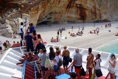 An Strand Porto Kastriki ausschiffen, Lefkas lizenzfreie stockbilder