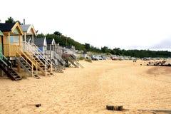 Strand, Putten daarna het Overzees, Norfolk Stock Afbeeldingen