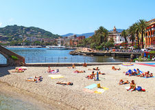 Strand in Rapallo, Italien Stockbild