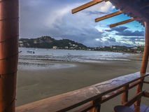 Strand Sans Juandel Sur gestaltet lizenzfreie stockfotografie