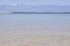 Strand Sea Die Berge Freies Wasser Steine unter Wasser stockfoto