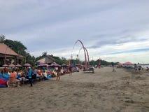 strand sedd solnedg?ng Det ?r mycket h?rligt Strand och solnedg?nghimmel royaltyfri bild