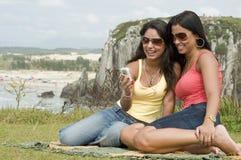 strand som kallar kvinnor Royaltyfri Fotografi