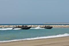strand som ner soldater Royaltyfria Bilder
