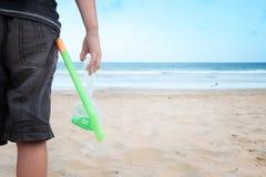 Strand som snorkeling. Fotografering för Bildbyråer