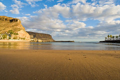 Strand in sonnigem Spanien Lizenzfreies Stockfoto