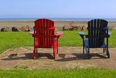 Strand-Stuhl-blaues Rot-Sommer-Szene Lizenzfreies Stockbild