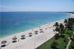 Strand in tropische toevlucht Royalty-vrije Stock Foto
