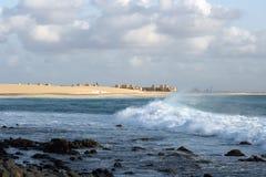 Strand und Brandung Lizenzfreie Stockfotografie