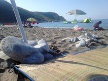 Strand und Felsen Stockbild