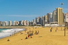 Strand und Gebäude von Fortaleza Brasilien Stockfoto