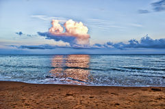 Strand und Himmel Lizenzfreies Stockbild