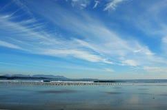 Strand und Himmel Stockfoto