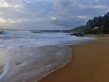 Strand und Himmel Lizenzfreie Stockfotografie