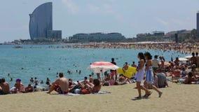 Strand-und Hotel-Hüllen Barceloneta im Sommer Stockfoto