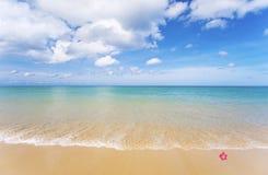 Strand und Meer Lizenzfreie Stockbilder