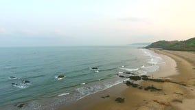 Strand und Meer bei Goa Indien stock video footage