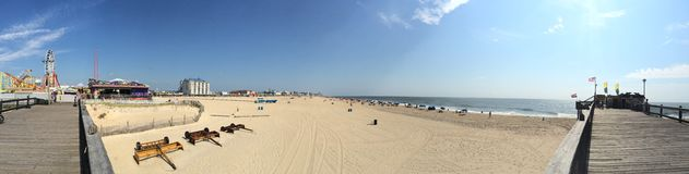 Strand und Promenade Lizenzfreie Stockfotos