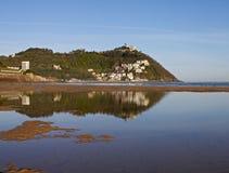 Strand und Schacht von LaConcha, Donostia Lizenzfreie Stockbilder
