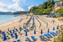 Strand und Stadt von Lerici, Italien Stockfoto