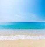 Strand und tropisches Meer stockfoto