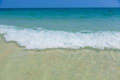 Strand und tropisches meeres- Lizenzfreies Stockbild