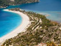 Strand van blauwe lagune Oludeniz Turkije Stock Afbeelding