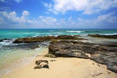 Strand van de Caraïbische Zee in Mexico Stock Foto's
