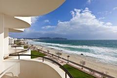 Strand von Mittelmeer in Insel Calas Millor - Majorca, Spanien Stockbild