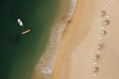 Strand von oben Stockfoto