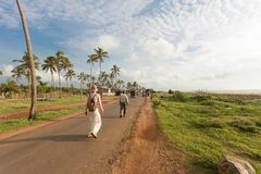 Am Strand von Toduwala gehen, Sri Lanka Lizenzfreie Stockfotografie